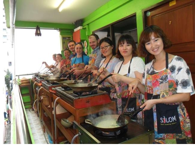 Group class shot @ Silom Thai Cooking School